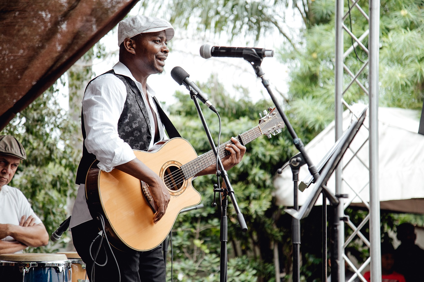 Rene Tshiakanyi Sings For Mothers' Day
